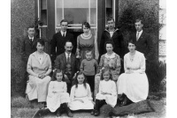 bet-761-stovell-family-at-old-