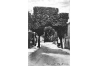 cha_04_the_archway_1906_16-2-136
