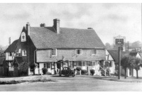 chi_01_chiddingfold_the_crown_437702544