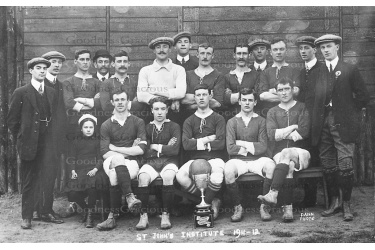RED 72 St.Johns Institute F.C. 1911 24a-1-Bet65