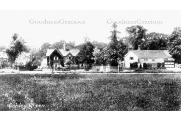 ock_61_cottages_on_green_20-51